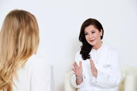 Frau Dr. Stengg, ärztliche Leitung des Hauses